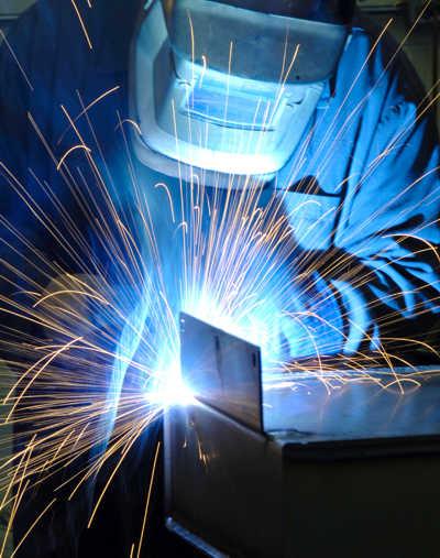 Izrada i varenje metalnih konstrukcija.